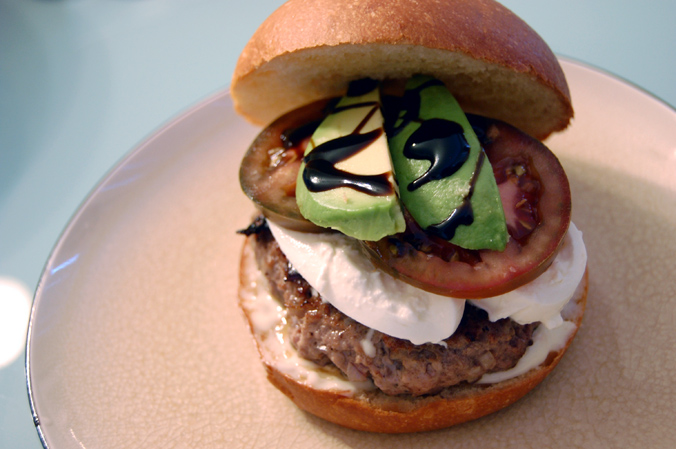 Burrata, kumato, avocado burger